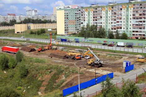 Стройка на улице Верхнепечерская
